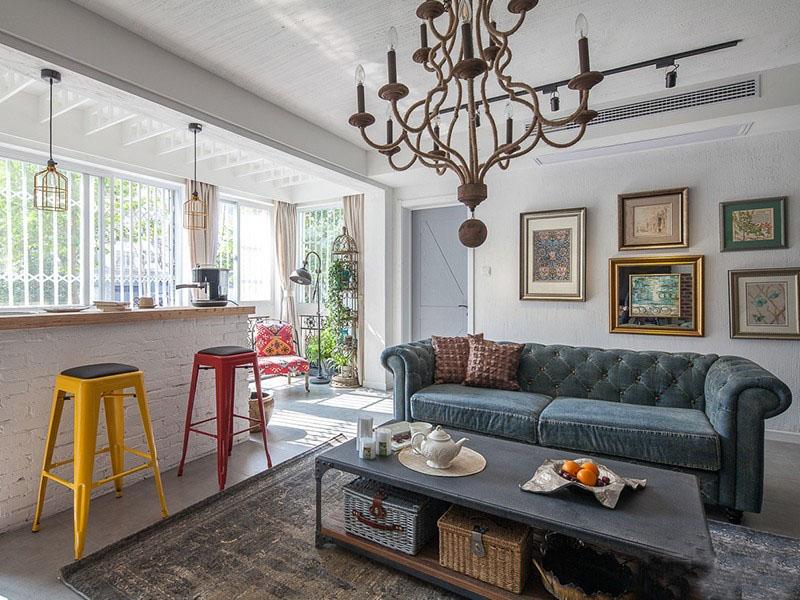 工业风美式80平米三居室客厅吧台装修效果图