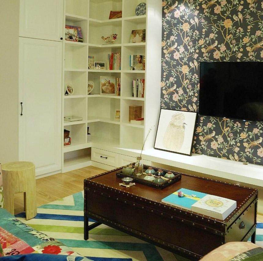 清新舒爽美式风格60平米三居室客厅电视背景墙装修效果图